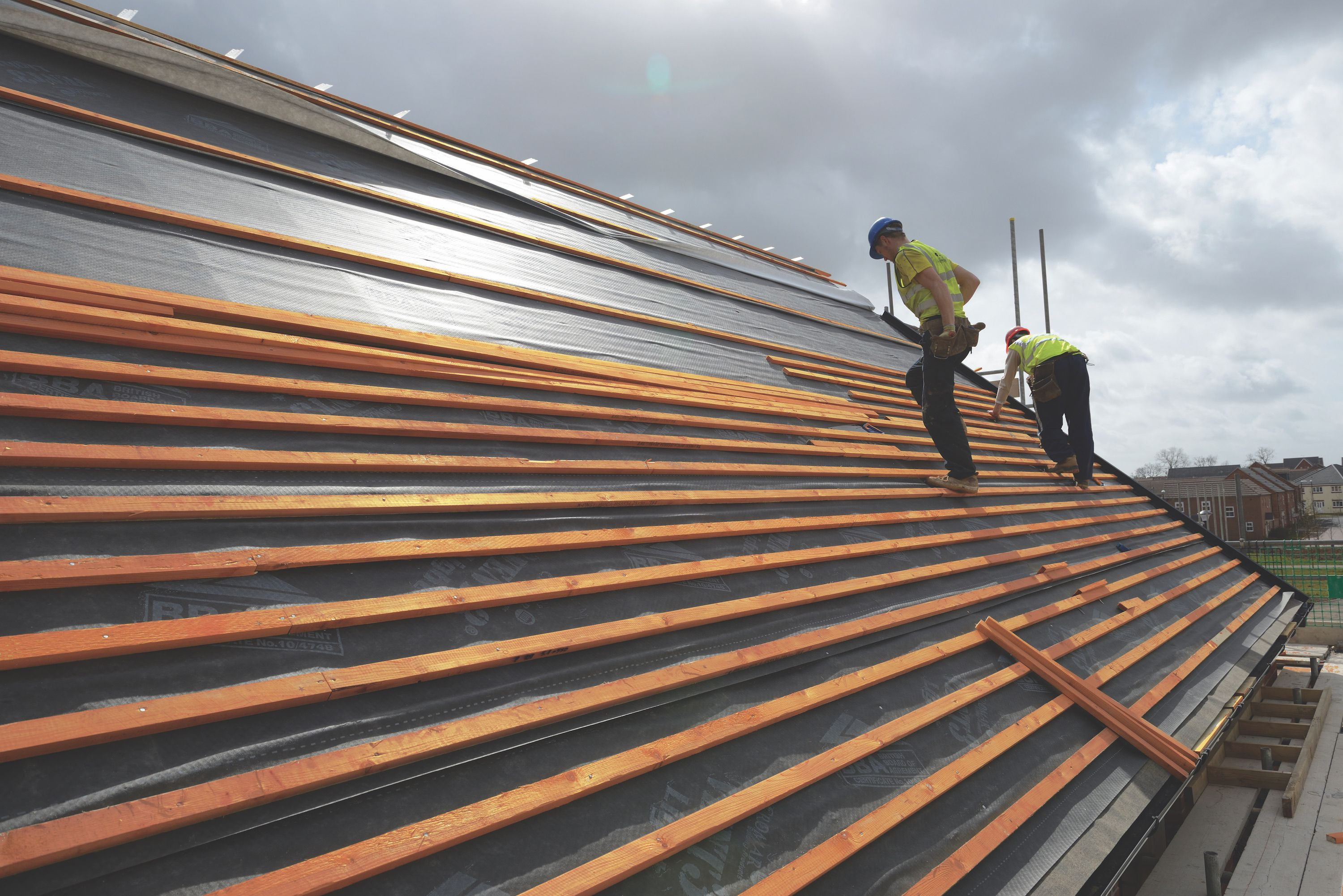 Things You Should Consider When Hiring a Roofing Contractor – BORN ...