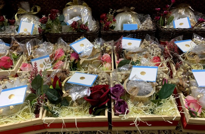 customized-corporate-gift-hampers